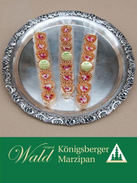 Stange gefülltes Teekonfekt - Miniherzen mit Königsberger Fondant