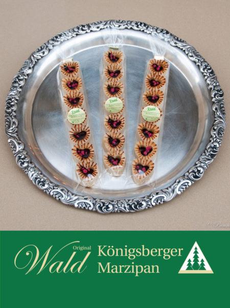 Stange gefülltes Teekonfekt - Miniherzen mit Edelbitterschokolade